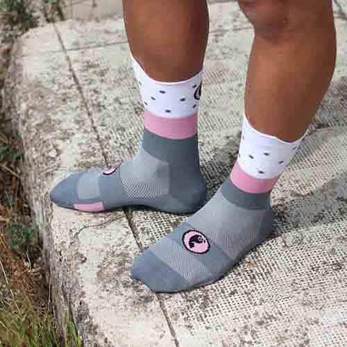 Calcetines rosas ciclismo