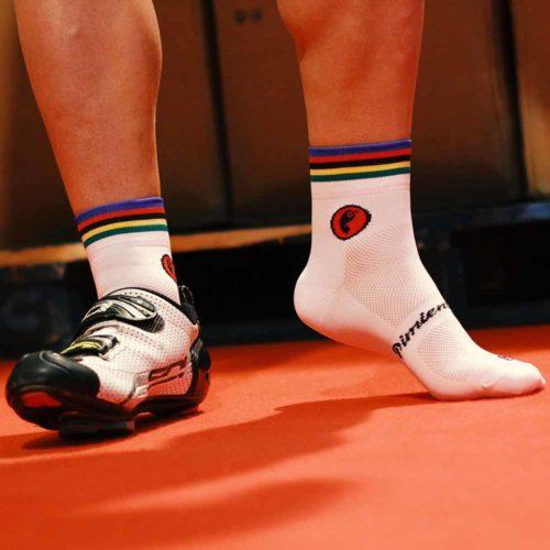 Calcetines ciclismo caña corta con bandera